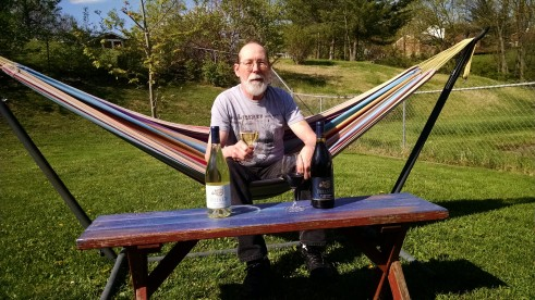Joe Henke of Cincinnati's Henke Winery enjoys a #bellsupmoment al fresco!